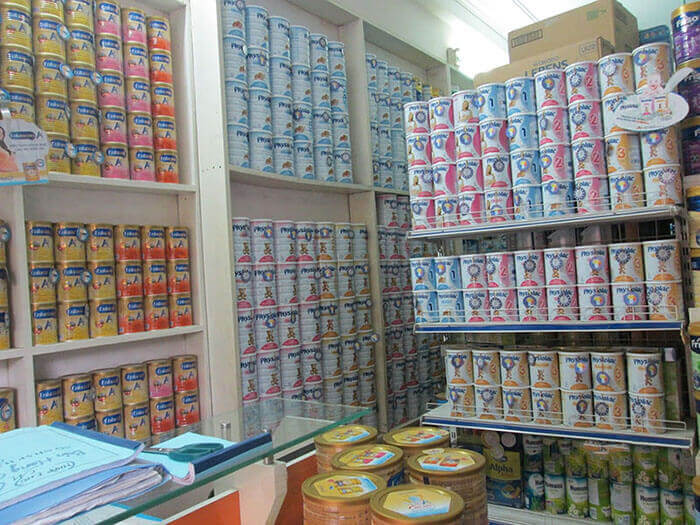 cách trưng bày cửa hàng sữa