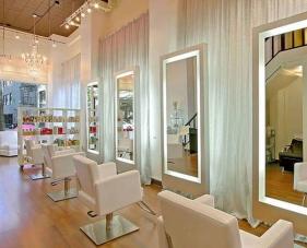 Gợi ý cách trang trí tiệm tóc nhỏ đúng chuẩn salon