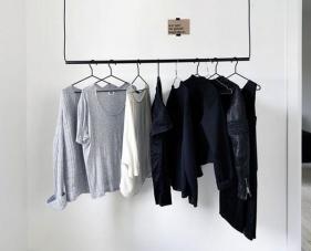 3 Cách lưu trữ quần áo không cần tủ cực hiệu quả cho không gian nhỏ