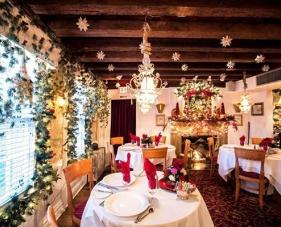 12 Ý tưởng trang trí Noel cho nhà hàng đơn giản mà tinh tế