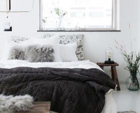 24 Cách trang trí phòng ngủ màu trắng đen cực chất