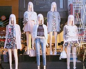 """5 Cách trang trí shop quần áo diện tích nhỏ """"chất phát ngất"""""""