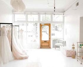 Thử ngay 9 mẹo trang trí tiệm áo cưới giúp hốt bạc mùa Tết